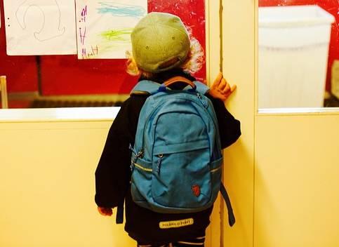 Do školy je potřeba zvolit kvalitní aktovku. Víte, podle čeho ji vybrat?