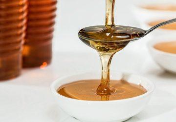 Proč je med užitečný ráno na lačný žaludek: klady a zápory