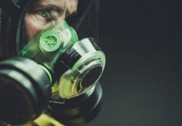 Nová fakta o koronaviru: teplo a masky nepomohou
